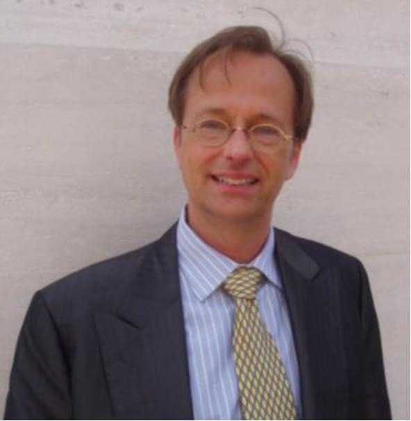 Dr. Thomas Renstrom